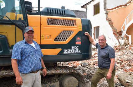 Excavadora Hyundai HX220AL